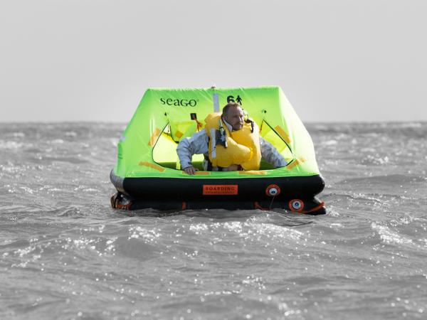 Cruiser raft in water smaller.jpg